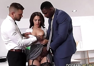 Black Immigration Officer Wants Valentina Nappi'_s Ass