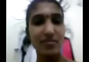 Tamil hot aunty flashing the brush assests in the air videocall