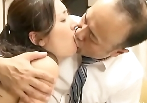 Cuckold japanese wife round husband band together (Full: bit.ly/2OUlUWN)